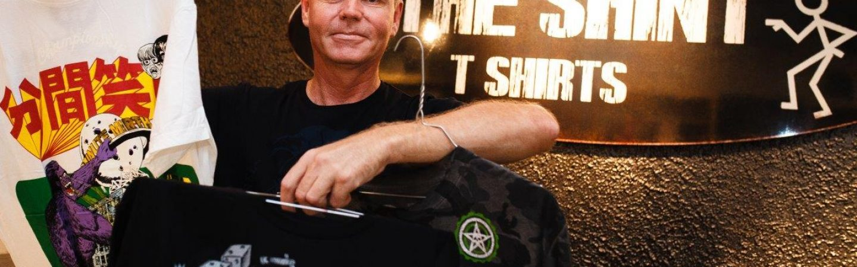 The SainT: een 'vreemde' winkel met shirts voor iedereen