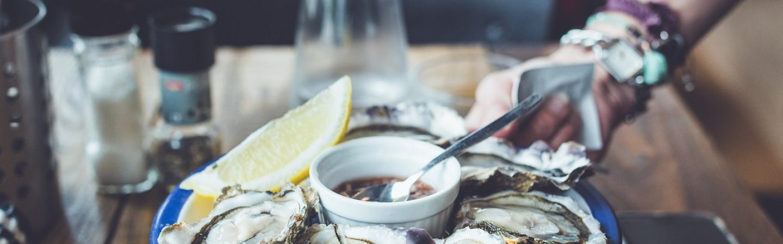 Vandaag kun je oesters komen eten in de Blokhuispoort