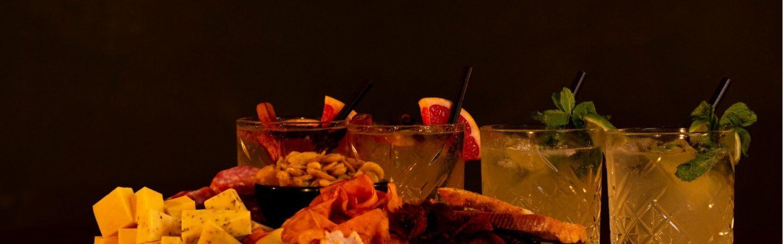 Cocktailpakketten van Dr. Watson voor jouw online borrel!