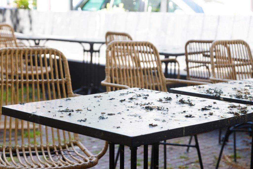 Friese horeca houdt alle stoelen en tafels op de kop